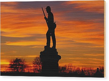 Sky Fire - 128th Pennsylvania Volunteer Infantry A1 Cornfield Avenue Sunset Antietam Wood Print by Michael Mazaika
