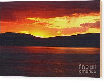 Sky Of Fire Wood Print by Aidan Moran