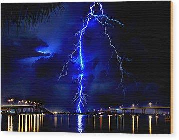 Sky Streaking Wood Print by Doug Heslep
