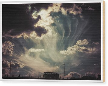 Sky Wisps Over A Double Decker Wood Print by Lenny Carter