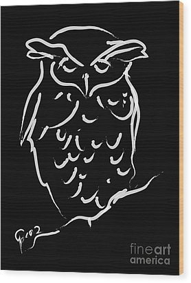 Sleepy Owl Wood Print by Go Van Kampen