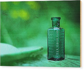 Small Green Poison Bottle Wood Print