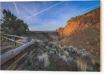 Smith Rock At Sunrise Wood Print by Everet Regal