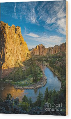 Smith Rock River Bend Wood Print by Inge Johnsson