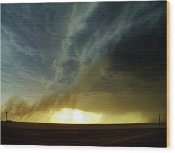Smoke And The Supercell Wood Print by Ed Sweeney