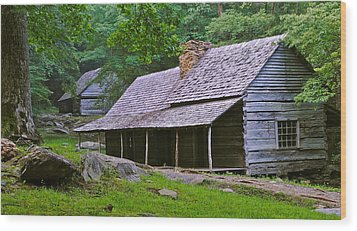 Smoky Mountain Cabins Wood Print by Frozen in Time Fine Art Photography