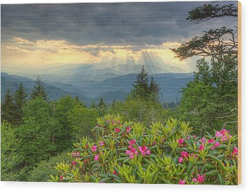 Mountain Grandeur Wood Print by Doug McPherson