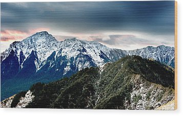 Wood Print featuring the photograph Snow Mountain by Yew Kwang