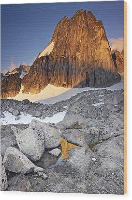 Snowpatch Spire At Sunrise Wood Print