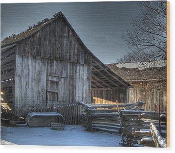 Snowy Barn Wood Print by Jane Linders