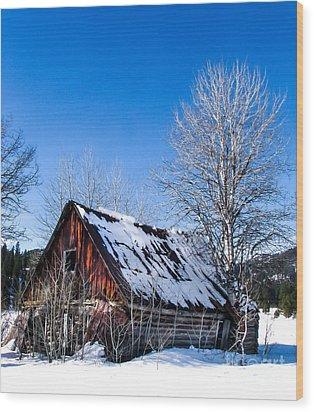Snowy Cabin Wood Print by Robert Bales