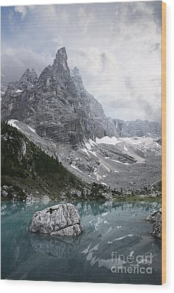 Sorapiss Lake Wood Print by Yuri Santin
