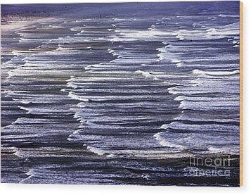 South African Indian Ocean Waves Wood Print by Howard Koby