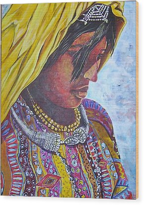South American Woman Wood Print by Linda Vaughon
