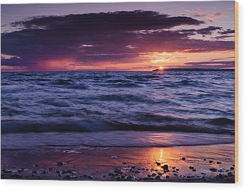 South Manitou Sunset Wood Print by Thomas Pettengill