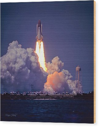 Space Shuttle Challenger Sts-6 First Flight 1983 Photo 1  Wood Print