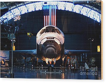 Space Shuttle Discovery Wood Print by Patti Whitten