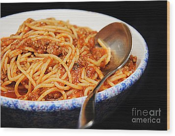 Spaghetti And Meat Sauce With Spoon Wood Print by Andee Design