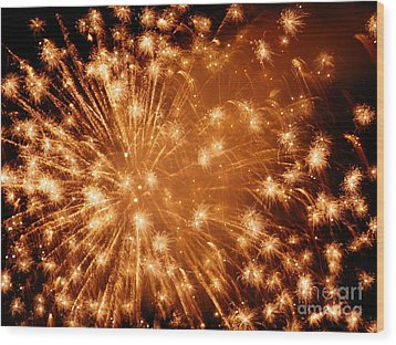 Sparkle Fireworks By Aclay Wood Print