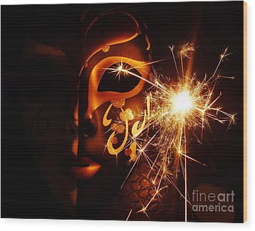 Sparklings Of Venetian Mask Wood Print by AmaS Art
