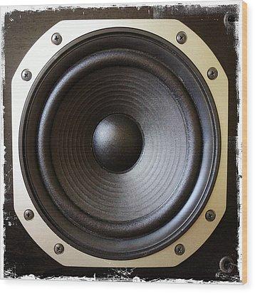Speaker Wood Print by Les Cunliffe