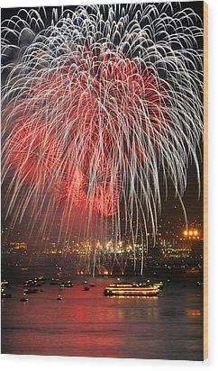 Spectator Boats Beneath A San Francisco 4th Of July Fireworks Show Wood Print by Scott Lenhart