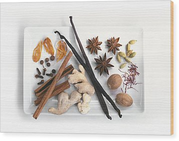Spices Wood Print by Science Photo Library