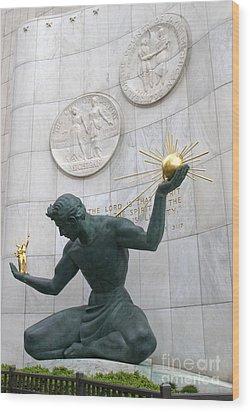 Spirit Of Detroit Monument Wood Print