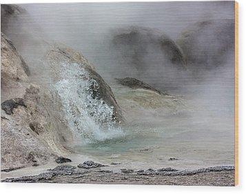 Splash From Grotto Geyser Wood Print