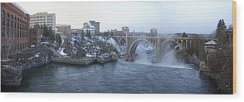 Spokane City Skyline On A Frigid Morning Wood Print by Daniel Hagerman