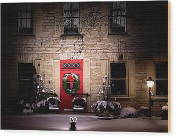 Spotlight On Christmas Wood Print by Paul Wash