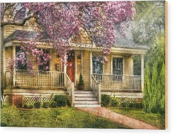 Spring - Door - Vacation House Wood Print by Mike Savad