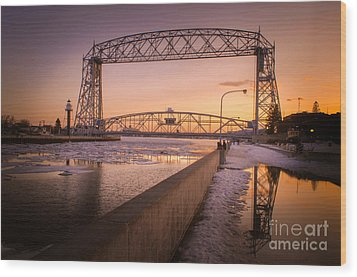 Wood Print featuring the photograph Spring Sunset In Canal Park by Mark David Zahn