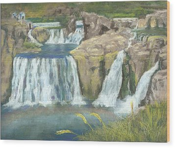 Spring Thaw At Shoshone Falls Wood Print by Harriett Masterson