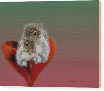 Squirrels Valentine Wood Print