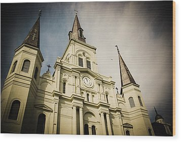 St Louis' Cathedral In New Orleans Wood Print by Ray Devlin