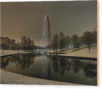 St. Louis - Winter At The Arch 004 Wood Print by Lance Vaughn