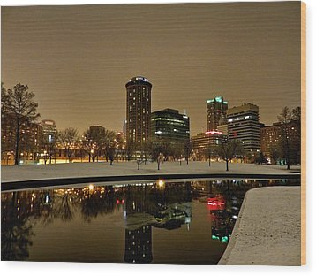 St. Louis - Winter At The Arch 007 Wood Print by Lance Vaughn