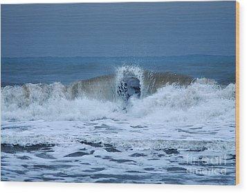 Dancing Of The Waves Wood Print