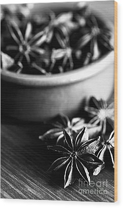 Star Anise Dish Wood Print by Anne Gilbert