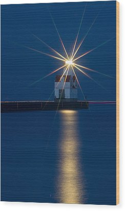 Star Bright Wood Print by Bill Pevlor