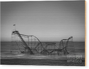 Star Jet Roller Coaster Bw Wood Print by Michael Ver Sprill
