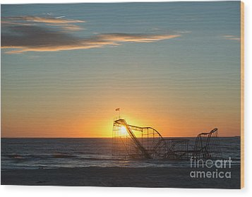 Star Jet Sunrise Silhouettte Wood Print by Michael Ver Sprill