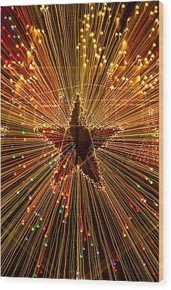 Star Zoom  Wood Print by Garry Gay