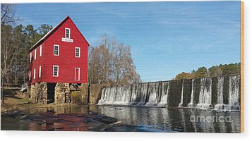 Starr's Mill In Senioa Georgia Wood Print by Donna Brown