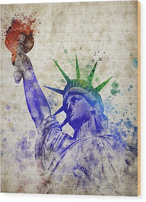 Statue Of Liberty Wood Print by Aged Pixel