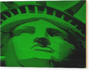 Statue Of Liberty In Green Wood Print by Rob Hans