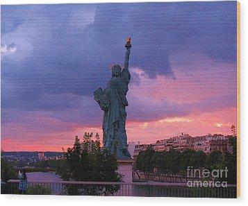 Statue Of Liberty In Paris Wood Print by John Malone