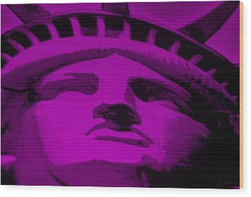 Statue Of Liberty In Purple Wood Print by Rob Hans