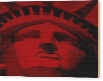 Statue Of Liberty In Red Wood Print by Rob Hans